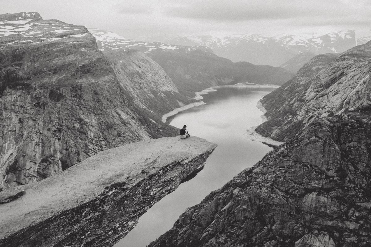 mariaundlinda_maria_und_linda_norwegen_trolltunga_felsvorsprung_fjord