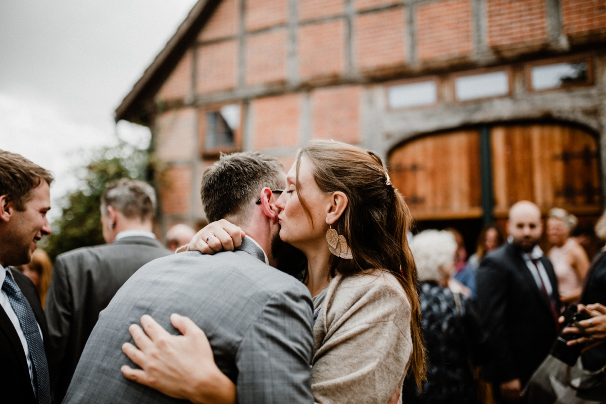 Scheunenhochzeit_Hochzeit-Scheune_Barnwedding_Maria-und-Linda_Hochzeitsfotograf-Hamburg_Hochzeitsfotograf-München_Maria-Linda